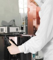 Obouruké antistatické jednorázové nepudrované rukavice bez silikonu z